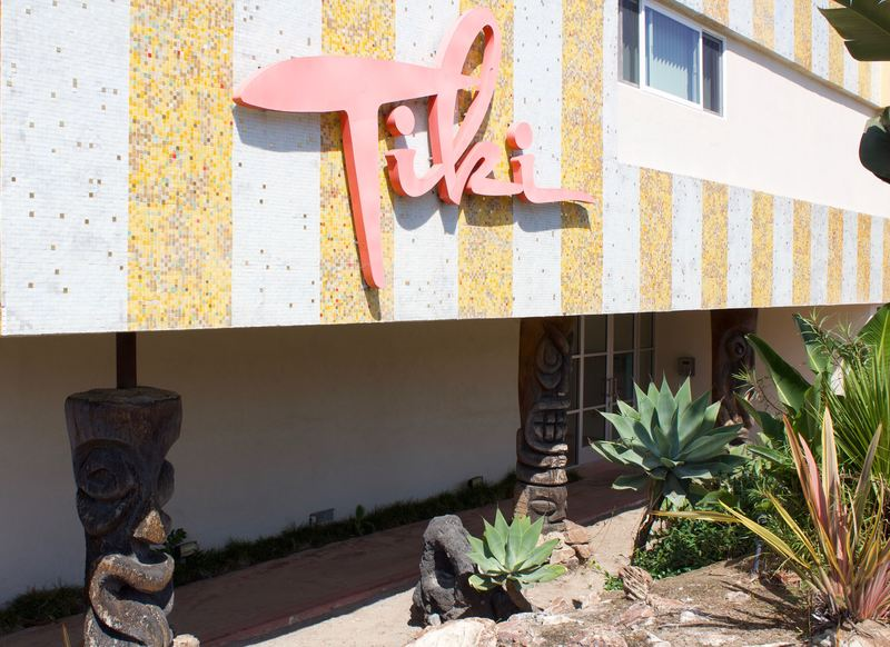 Outside Grounds At Tiki Apartments In Redondo Beach Ca