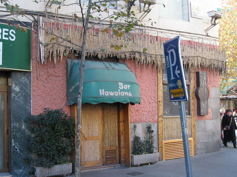 Mauna Loa Bar Hawaiano In Madrid Spain Critiki